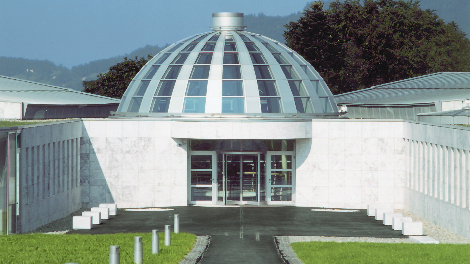 Exterior view of the cupola of the Executive Campus of the University of St.Gallen (HSG)